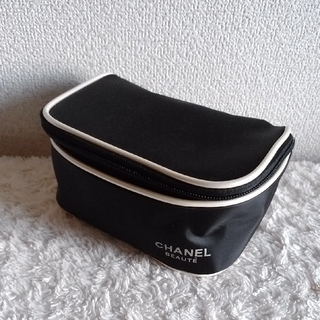 CHANEL - 【新品 未使用】CHANEL シャネル ポーチ ノベルティ 黒