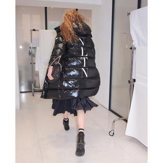 MONCLER - モンクレール バレンティノ ダウンコート ジャケット ロゴ ワッペン