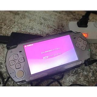 プレイステーションポータブル(PlayStation Portable)のPSP-2000 ローズピンク本体+ソフト5本(携帯用ゲーム機本体)