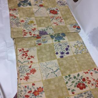 正絹紬お洒落着☆ダークバニラ格子に四季の花々(着物)