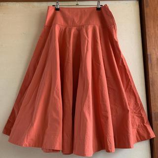 ユニクロ(UNIQLO)の美品☆UNIQLO U オレンジ 綿100%サーキュラースカート(ひざ丈スカート)