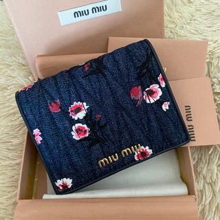 miumiu - ミュウミュウ 二つ折り財布 コンパクト ウォレット デニム フラワー 未使用