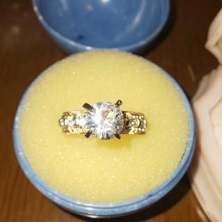 ファッションリング  ゴールド  縦爪 ジルコニア(リング(指輪))