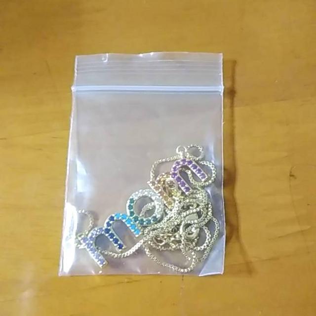 期間限定値下げ中新品momネックレス インスタグラム ヨンア着用同デザイン    レディースのアクセサリー(ネックレス)の商品写真