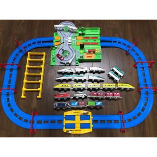 タカラトミー(Takara Tomy)のプラレール DX踏切ステーション 車両 セット(電車のおもちゃ/車)