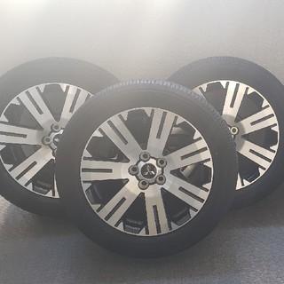 ミツビシ(三菱)の新型 デリカ D5 純正ホイール 新車外し 1091様専用 (タイヤ・ホイールセット)