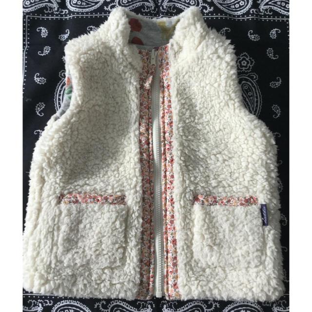 hakka baby(ハッカベビー)のhakka baby リバーシブルベスト 90 キッズ/ベビー/マタニティのキッズ服女の子用(90cm~)(ジャケット/上着)の商品写真