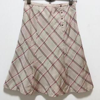 トッカ(TOCCA)のTOCCA  チェック柄の刺繍が可愛いスカート(ひざ丈スカート)
