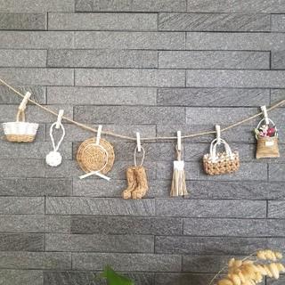白★ミニチュアカゴや帽子のガーランド エコクラフト 壁飾り (バスケット/かご)