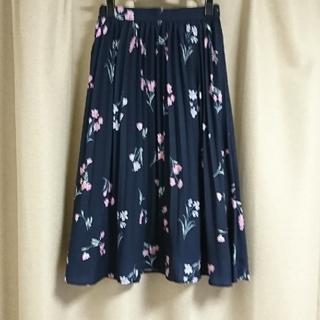 Fabulous Angela - ネイビー 花柄 プリーツスカート