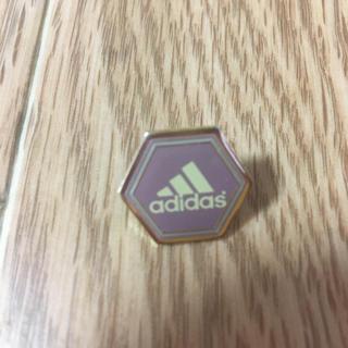 アディダス(adidas)のアディダス ピンバッジ(バッジ/ピンバッジ)