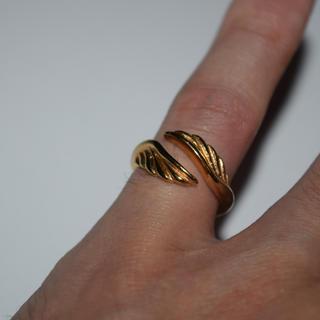 期間限定SALE フェザー リング 指輪 9号 ゴールド ステンレス 316L(リング(指輪))