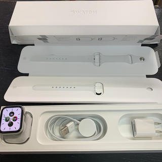 アップルウォッチ(Apple Watch)のアップルウォッチ4 44mm アルミニウム GPS+Cellular シルバー(スマートフォン本体)
