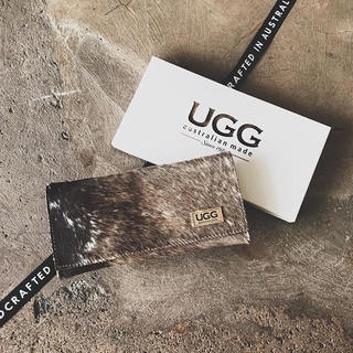 アグ(UGG)の【オリジナル】アグ  UGG カーフスキン 財布 牛革 新品(財布)