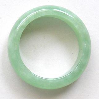 人気商品! 希望を叶える魔法の石 魅惑のグリーン 高級翡翠の指輪15号(リング(指輪))