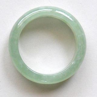 人気商品! 希望を叶える魔法の石 魅惑のグリーン 高級翡翠の指輪16号(リング(指輪))