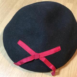 赤いリボンのベレー帽(ハンチング/ベレー帽)