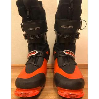 アークテリクス(ARC'TERYX)の定価14.6万円アークテリクス プロクラインカーボンライト ブーツ 兼用靴(ブーツ)