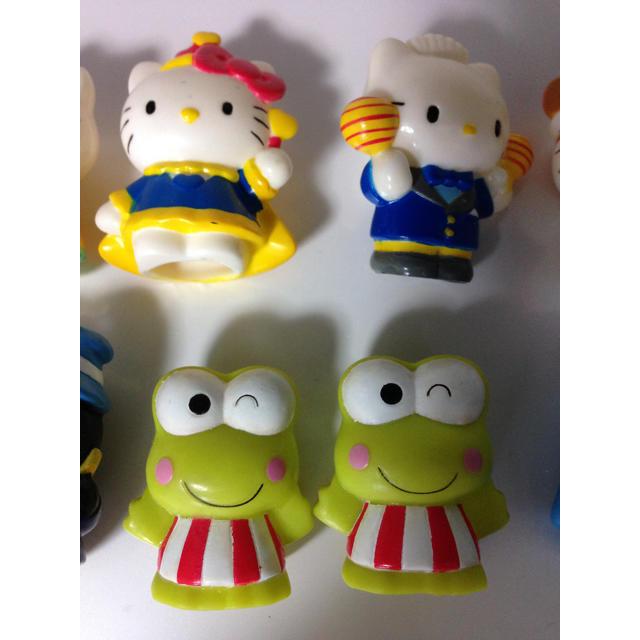 サンリオ(サンリオ)の当時物 90年代頃 サンリオキャラ 指人形 ソフビいろいろ10体セット ばつ丸 キッズ/ベビー/マタニティのおもちゃ(ぬいぐるみ/人形)の商品写真