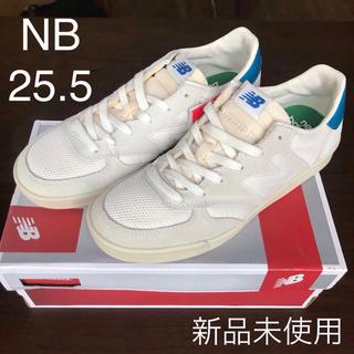 ニューバランス(New Balance)の【新品】NBニューバランス CRT300  ホワイト 25.5センチ(スニーカー)