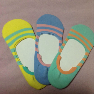 アイ(i)のスニーカー ソックス 靴下 ボーダー 3足 色違い セット ヘルスニット 新品 (ソックス)