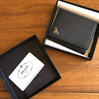 PRADA - 【新品】PRADA 二つ折り財布