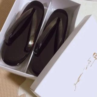 草履 エナメル ブラックM(下駄/草履)