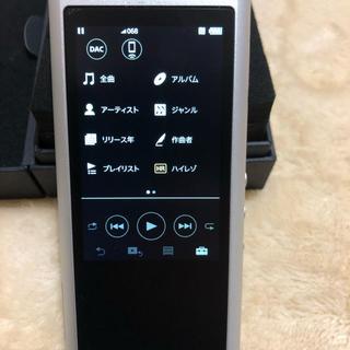 ウォークマン(WALKMAN)の《極美品》SONY NW-ZX300 64G ハイレゾ音源シルバー(ポータブルプレーヤー)