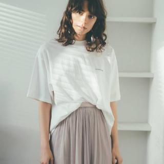 ミラオーウェン(Mila Owen)のMila Owen FLOWERカラーTシャツ ホワイト サイズ0(Tシャツ(半袖/袖なし))