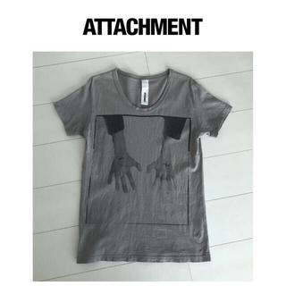 アタッチメント(ATTACHIMENT)の【ATTACHMENTアタッチメント/プリントTシャツ】(Tシャツ/カットソー(半袖/袖なし))