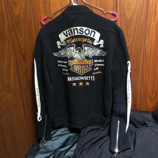 バンソン(VANSON)のVANSON バンソン 男女兼用 Mサイズ 刺繍・黒カラー ライダースジャケット(ライダースジャケット)