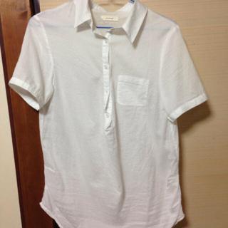 シンシア(cynthia)の白シャツ(Tシャツ(半袖/袖なし))