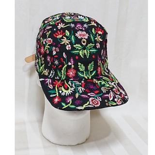 ZARA - ミラノ着!「ZARA・ザラ」ボタニカル総柄刺繍の可愛いキャップ帽子です