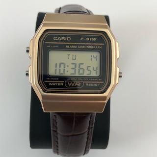 アパルトモンドゥーズィエムクラス(L'Appartement DEUXIEME CLASSE)の✴ 腕時計ハンドメイド  CASIO   牛革  クロコ型押し 保証書ついてます(腕時計)