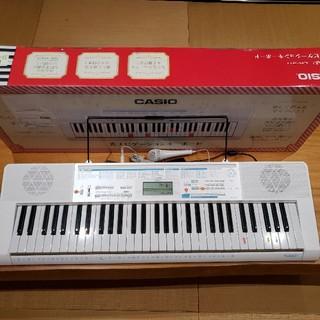 ★極美品★CASIO61鍵盤電子キーボードピアノ 光ナビゲーション LK-311