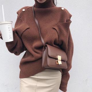 韓国ファッション人気沸騰 ニット 肩あき(ニット/セーター)