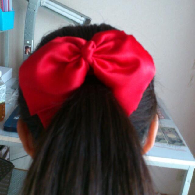 赤リボンゴム♡ レディースのヘアアクセサリー(ヘアゴム/シュシュ)の商品写真