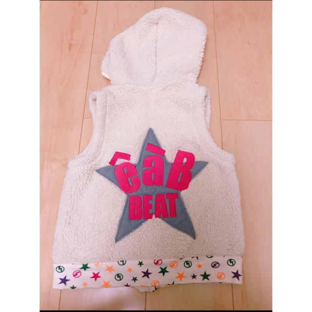 eaB(エーアーベー)のeaB 110 ベスト キッズ/ベビー/マタニティのキッズ服女の子用(90cm~)(ジャケット/上着)の商品写真