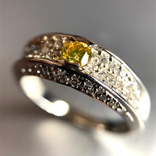 「天然イエローダイヤモンド」0.298ct プラチナリング!(リング(指輪))