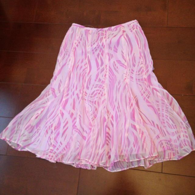 22 OCTOBRE(ヴァンドゥーオクトーブル)の22OCTOBREピンク系スカート レディースのスカート(ひざ丈スカート)の商品写真