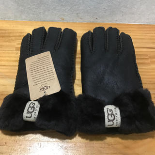 アグ(UGG)のハンドメイド ムートン手袋 焦げ茶色 UGG(手袋)