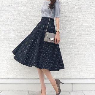 ユニクロ(UNIQLO)のUNIQLO♡ドットフレアスカート(ひざ丈スカート)