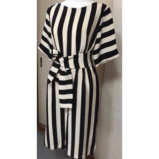 ビーシービージーマックスアズリア(BCBGMAXAZRIA)のBCBG ボーダー ワンピース ドレス(ひざ丈ワンピース)