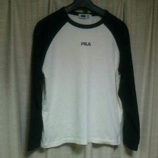 フィラ(FILA)のFILA ロゴ刺繍 ラグランTシャツ Lサイズ 白 ロック カジュアル アメカジ(Tシャツ(長袖/七分))