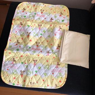 ディズニー(Disney)のおむつ替えシート袋付き (おむつ替えマット)