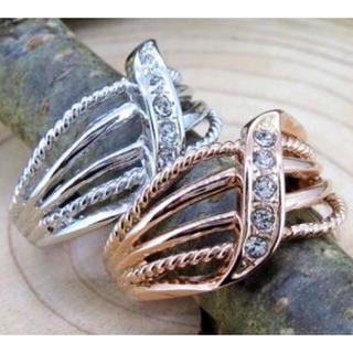 【SWAROVSKI】クロスライン ピンキー クリスタルリング 指輪(リング(指輪))