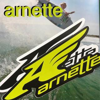 アーネット(Arnette)のarnetteアーネットUS限定型抜きbigウイングロゴステッカーlime(サーフィン)