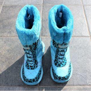《にゃさな様専用》スノーブーツ 防寒靴 キッズ ジュニア ヒョウ柄 スパイク付き(ブーツ)