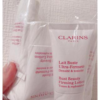 CLARINS - クラランスバストクリームレビュストフェルムテ