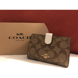 コーチ(COACH)の【人気シリーズ】コーチ 財布 ホワイト(財布)